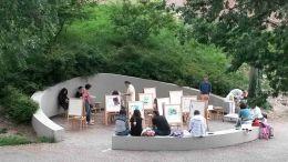 42_Kunstunterricht_im_gruenen_Klassenzimmer