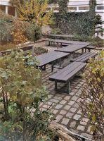 46_Gruenes_Klassenzimmer_Bank-Tisch-Sitzecke